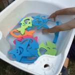 暑い夏の日に大活躍!お風呂や外での水遊びに使える魚釣りセット