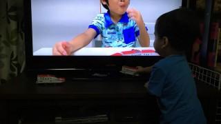 たろー1歳10か月 YouTuberがっちゃんに大興奮